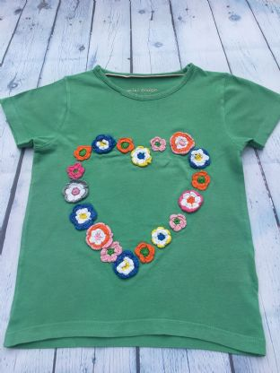 Mini Boden green tshirt with crochet flowers age 6-7
